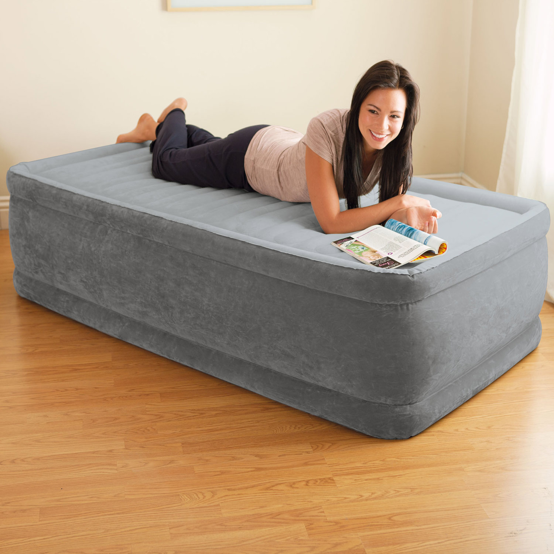 intex 191x99x46cm luftbett mit pumpe g stebett bett. Black Bedroom Furniture Sets. Home Design Ideas